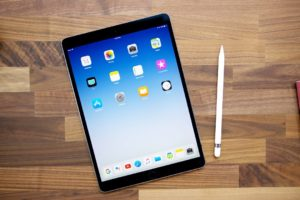 Apple 2017 iPad Pro displays suffering from Bright Spot above Home Button