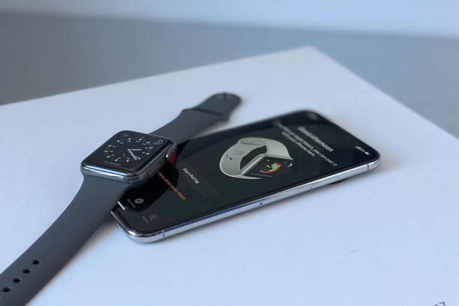 Pair Apple Watch Series 5 to iPhone