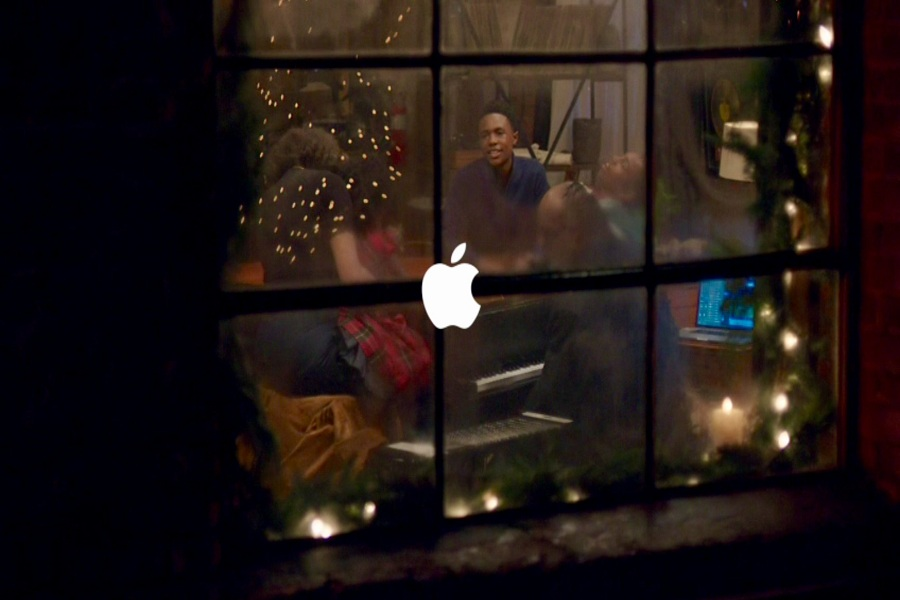 Apple Christmas December Event