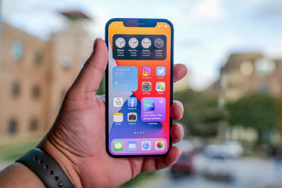 Use iPhone 12 Home Screen