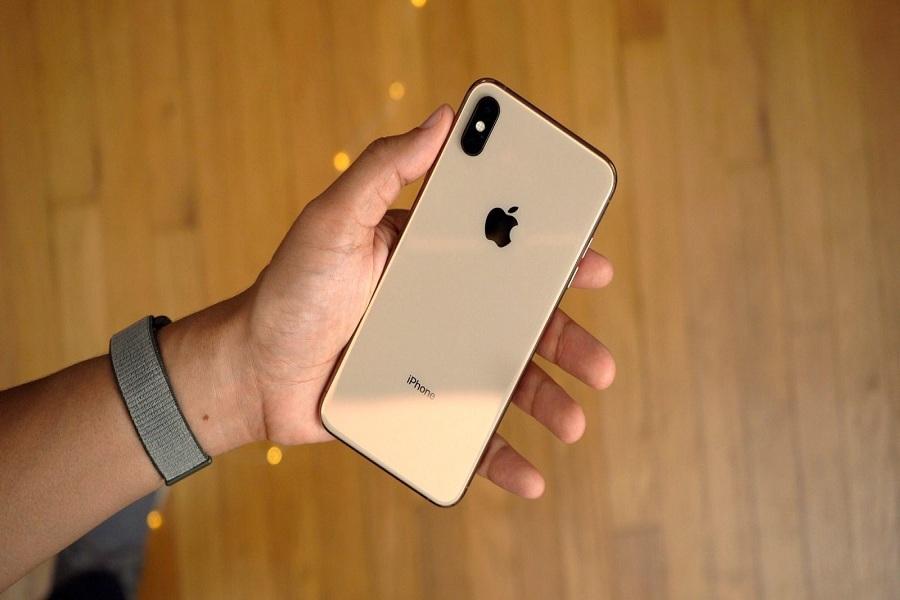 iPHONE XS MAX WON'T TURN ON