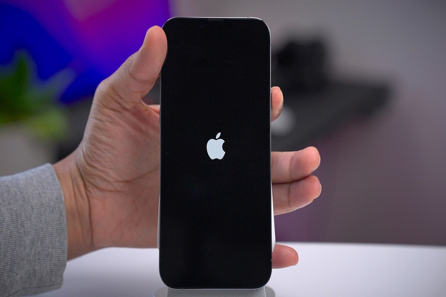 How To Power Off iPhone 13